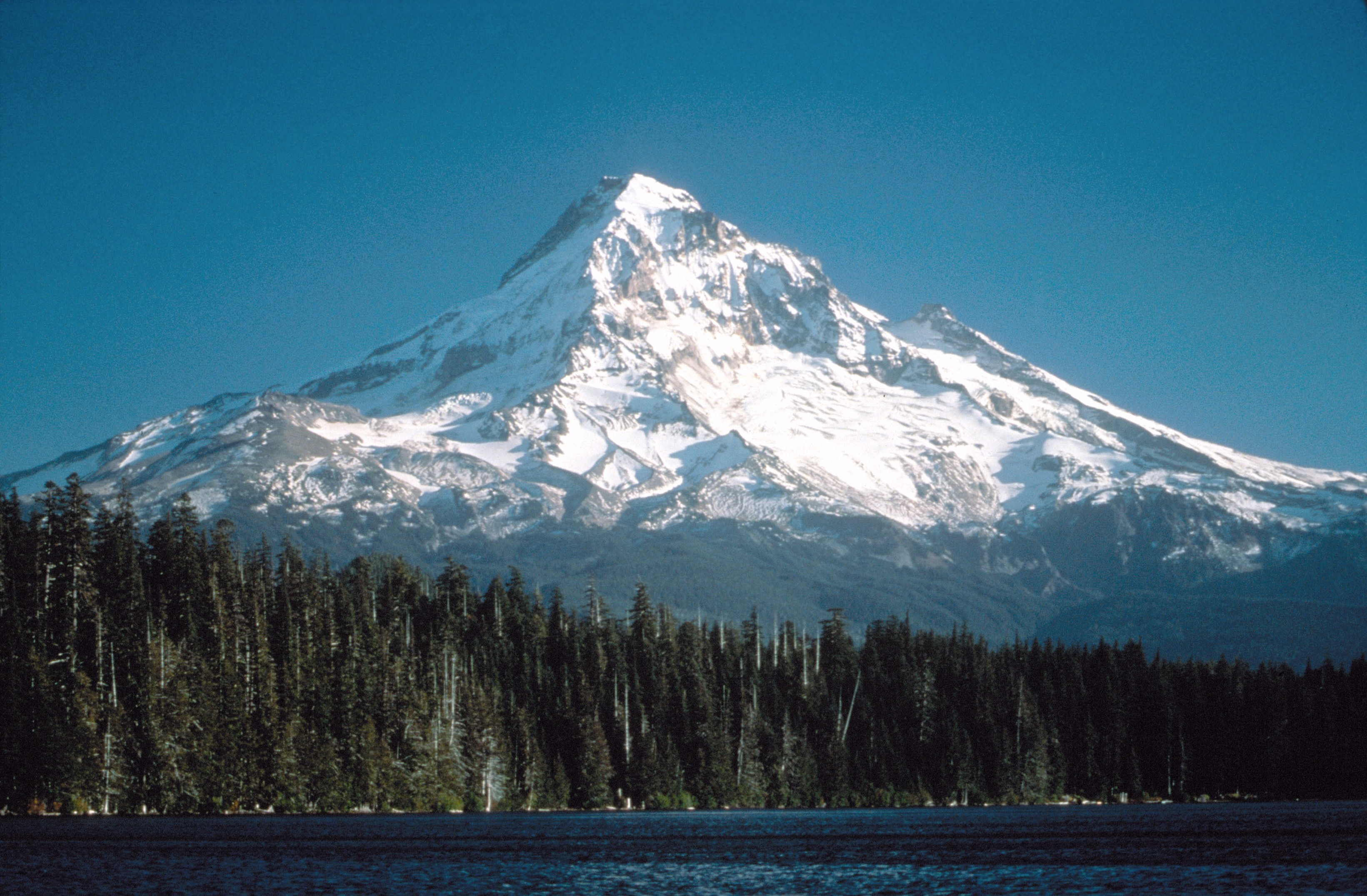 Hood85_mount_hood_and_lost_lake_ca1985